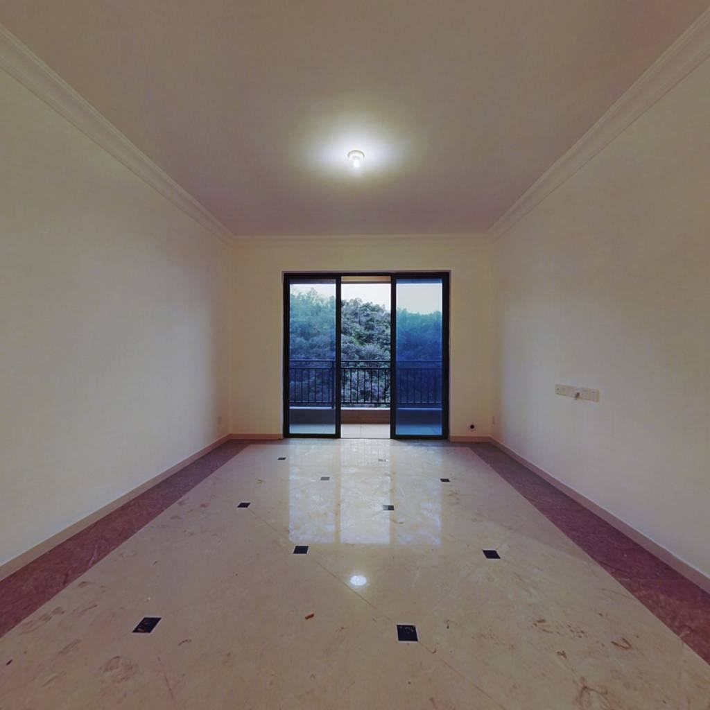 全新未住精装修,高层视野无遮挡,舒适温馨小两房。