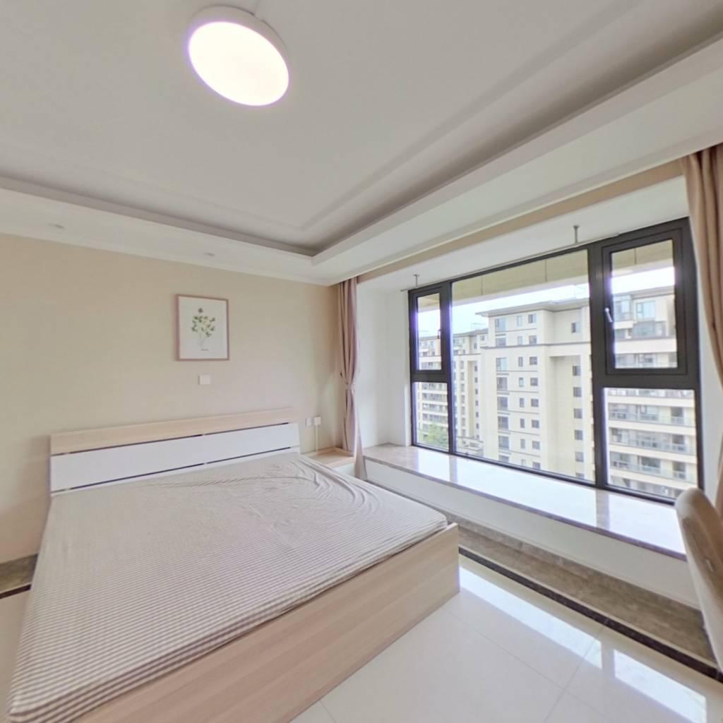 合租·富力十号院 5室1厅 南卧室图