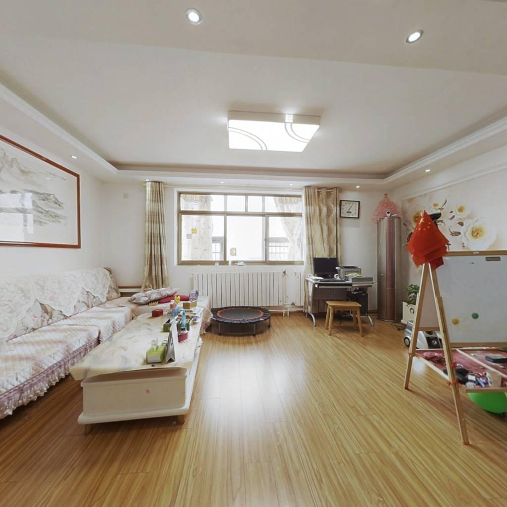 锦园大厦 4室2厅 南