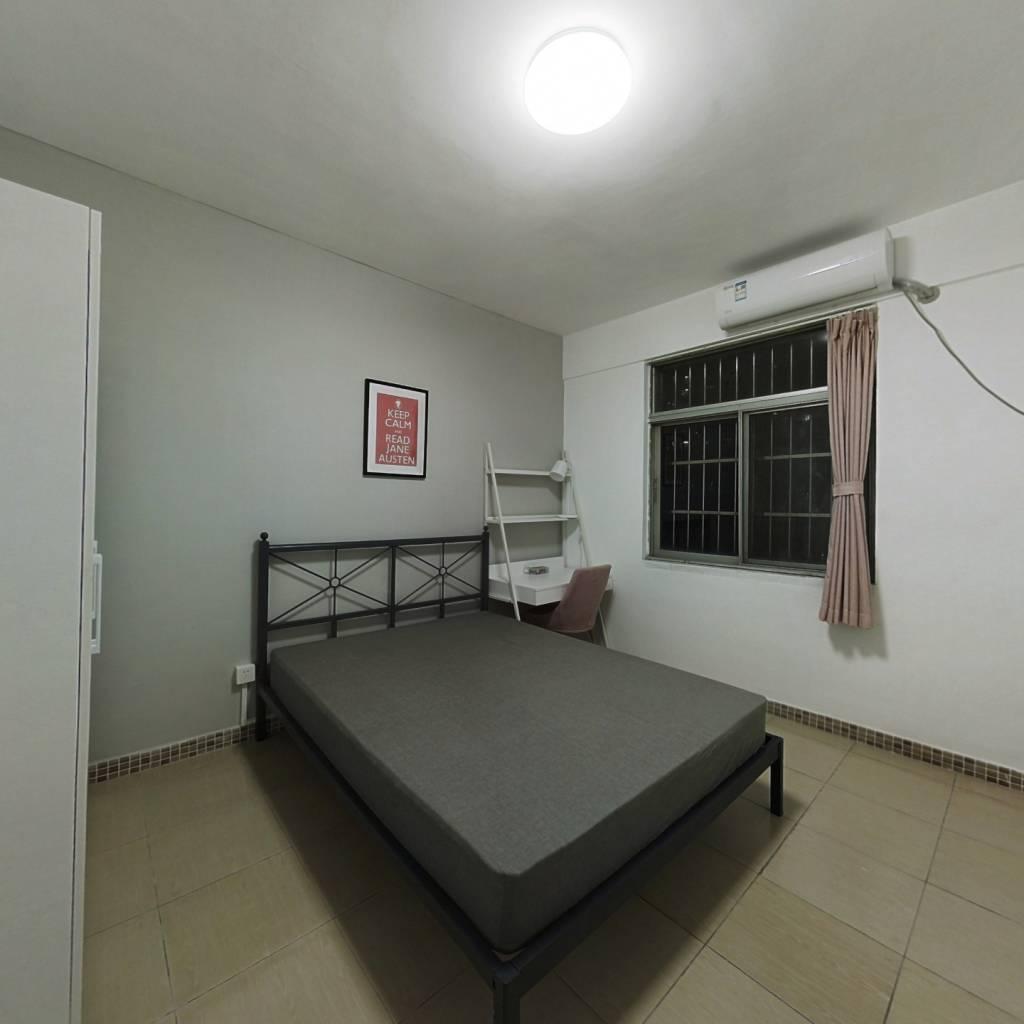 合租·汇侨新城北区 3室1厅 西南卧室图