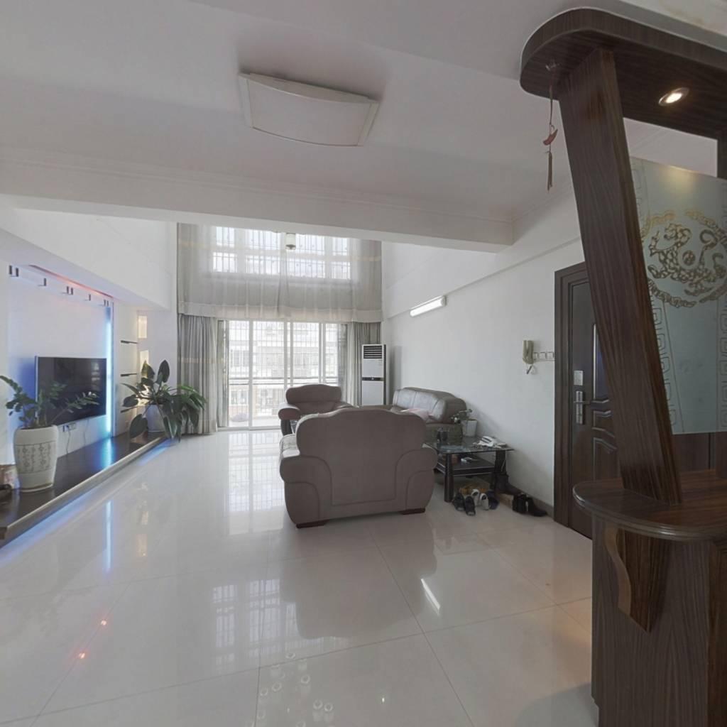 瑞祥小区,精装楼中楼,客厅挑高,拎包入住。