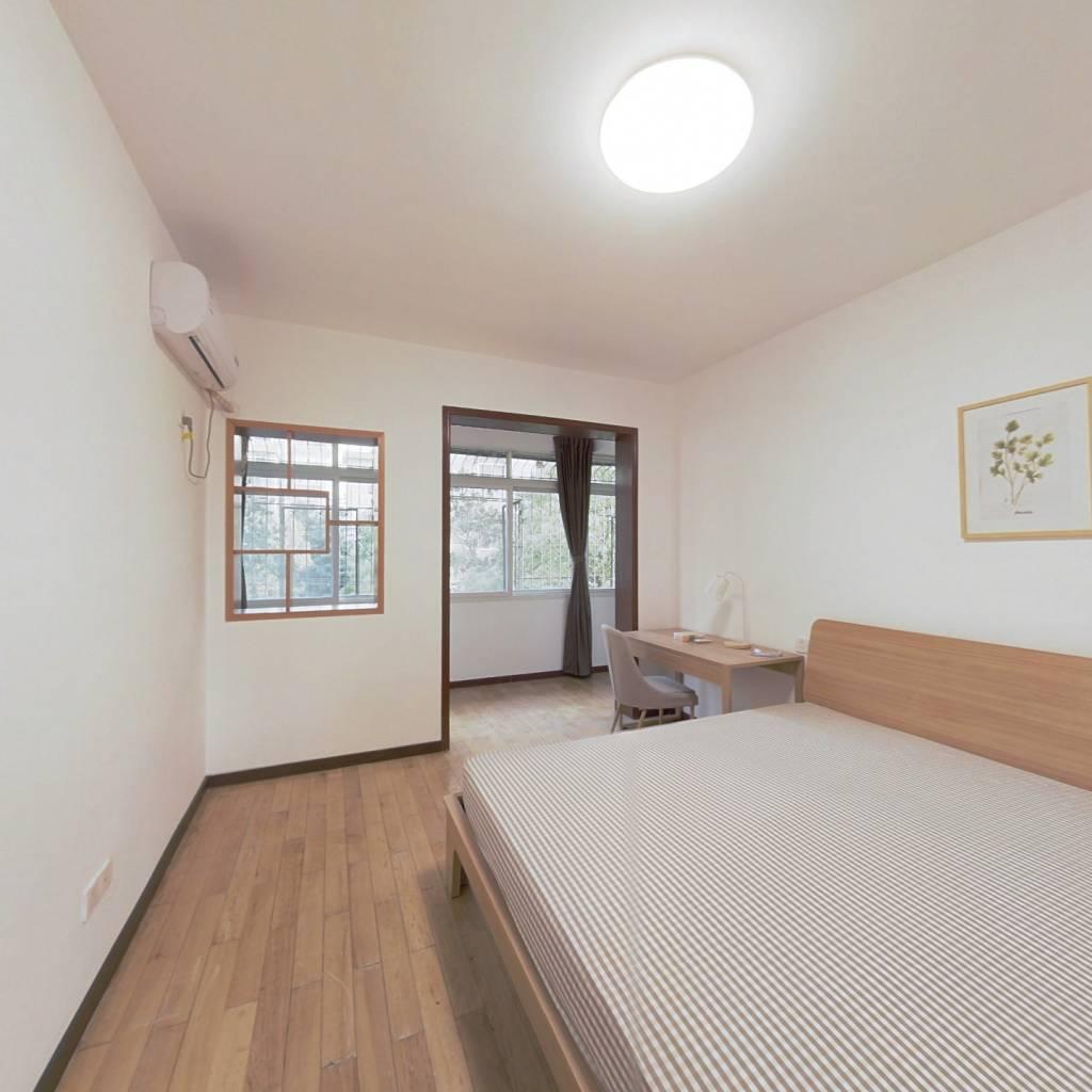 合租·梅苑小区一期 3室1厅 南卧室图