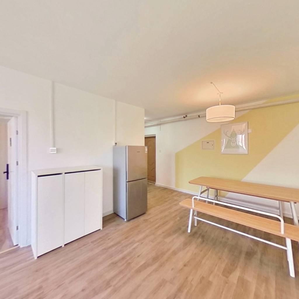 合租·学知园 3室1厅 西卧室图