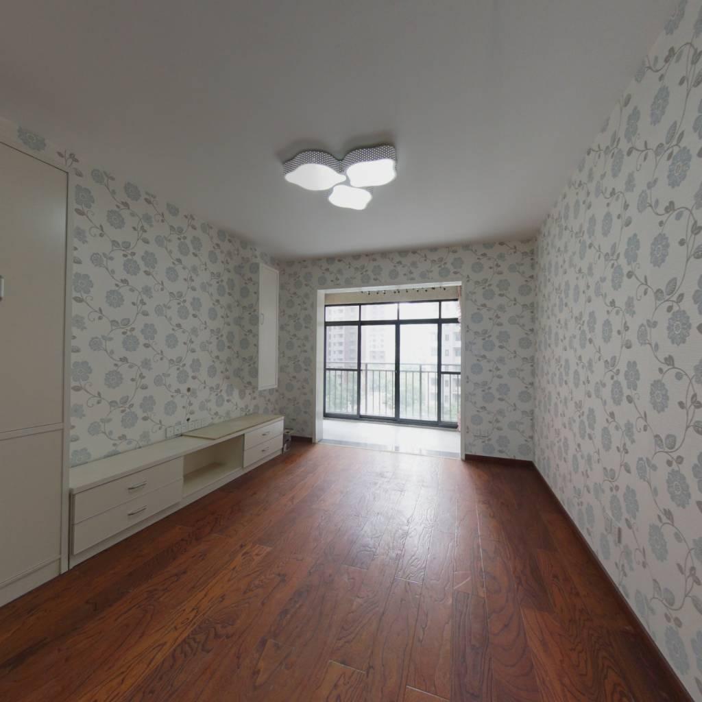 保利城 通透两房 全新装修 没住人 证满过户 随时看房