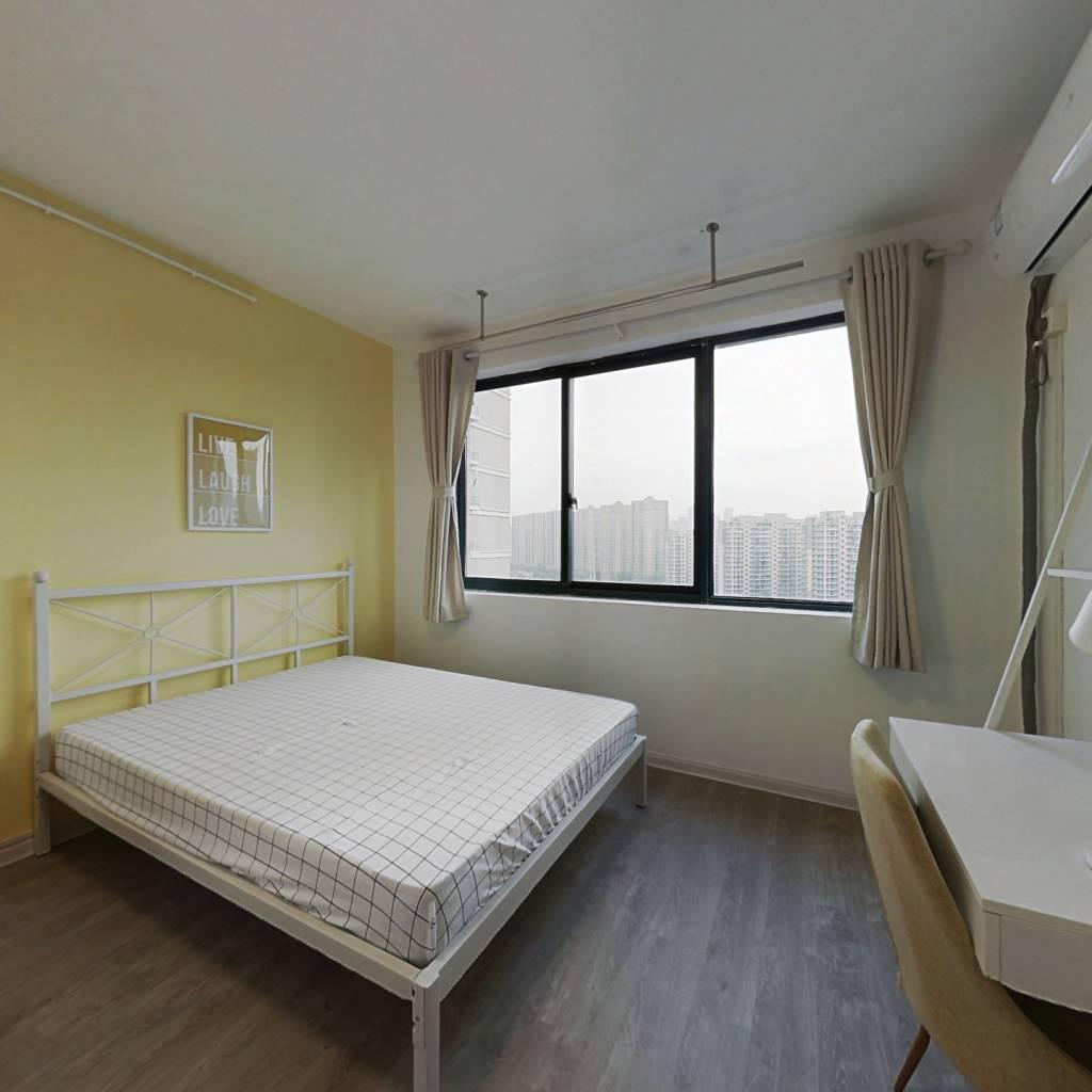 合租·云河西园 4室1厅 南卧室图