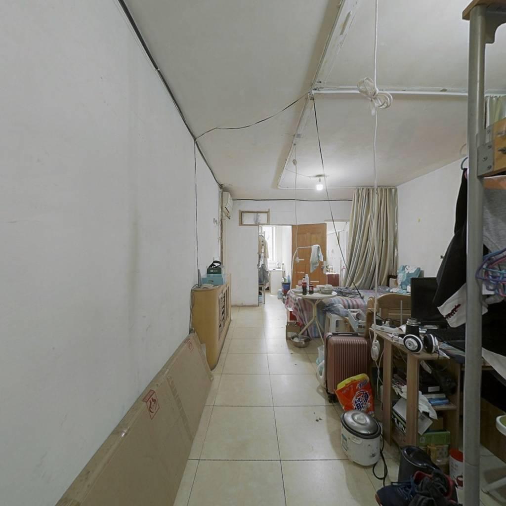 长安家园  低楼层  东南朝向 两室一厅