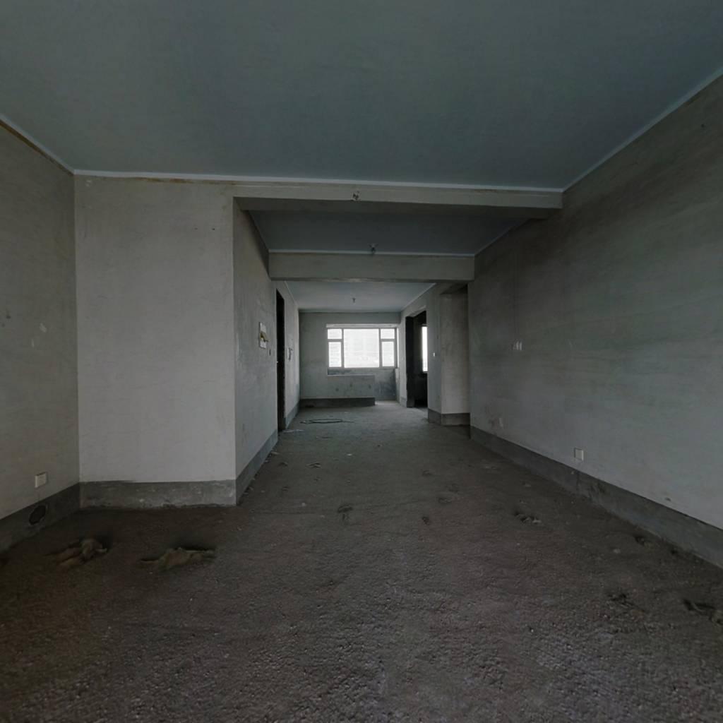 清水湾花园电梯洋房简单装修实用户型房东诚售。