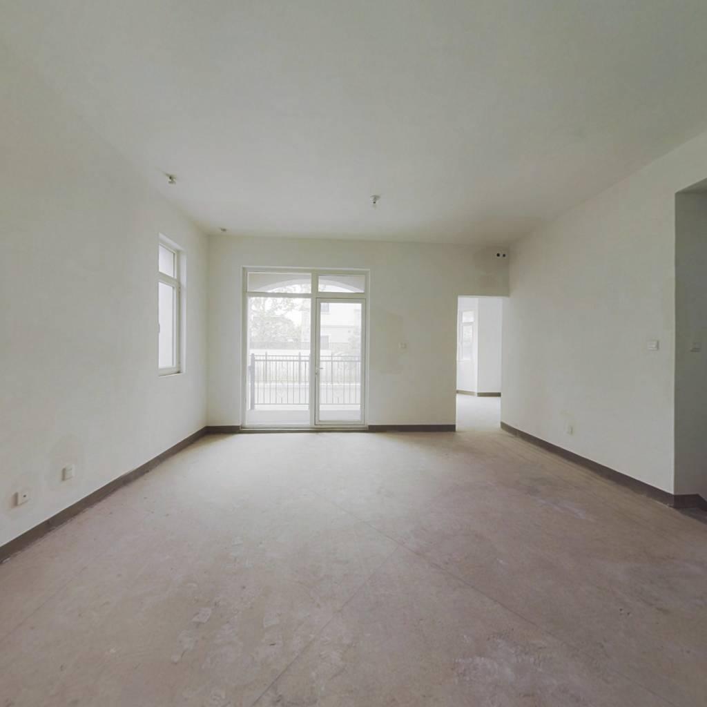 此房满二,房主诚意出售,看房方便