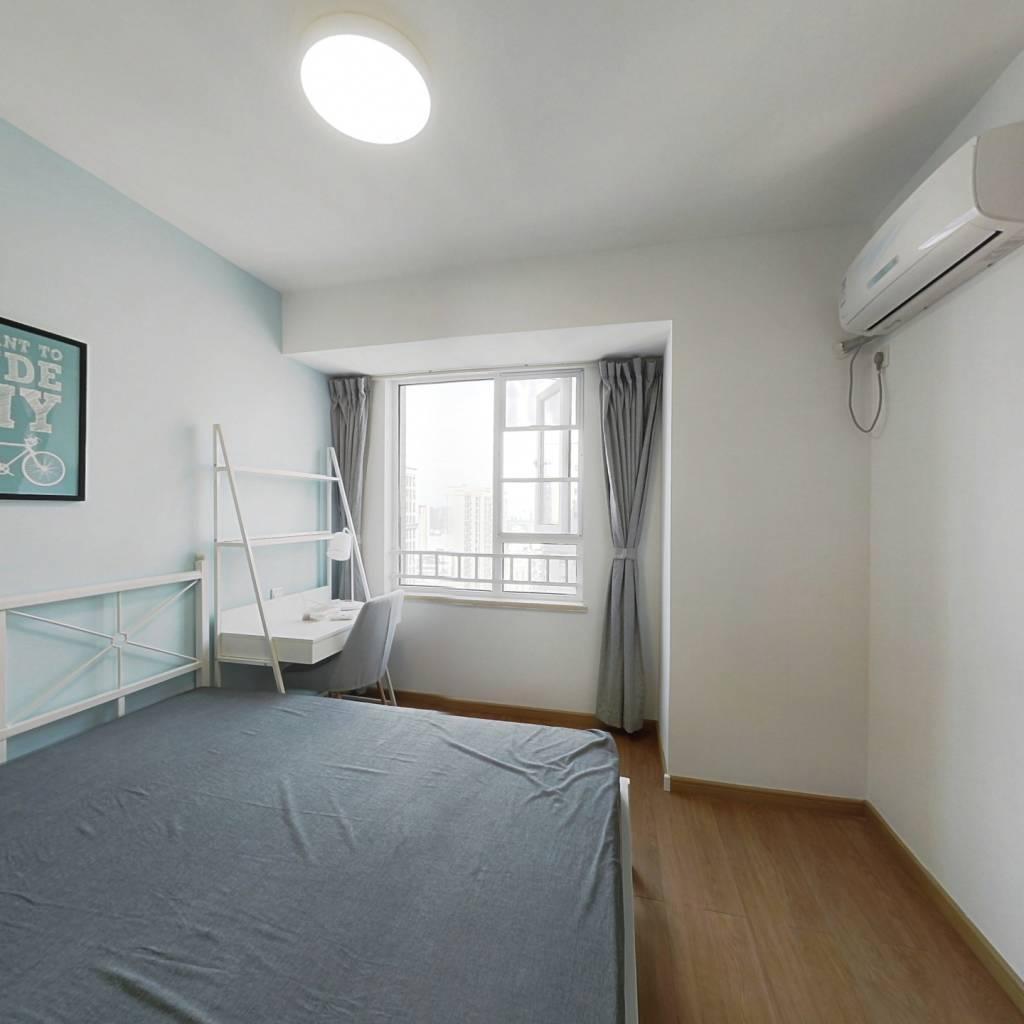 合租·万科汉阳国际A区 3室1厅 东卧室图