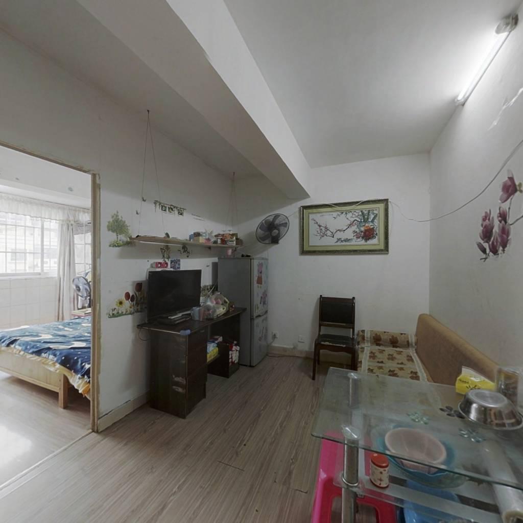 江南客运站旁小两室,总价低,适合自住出租