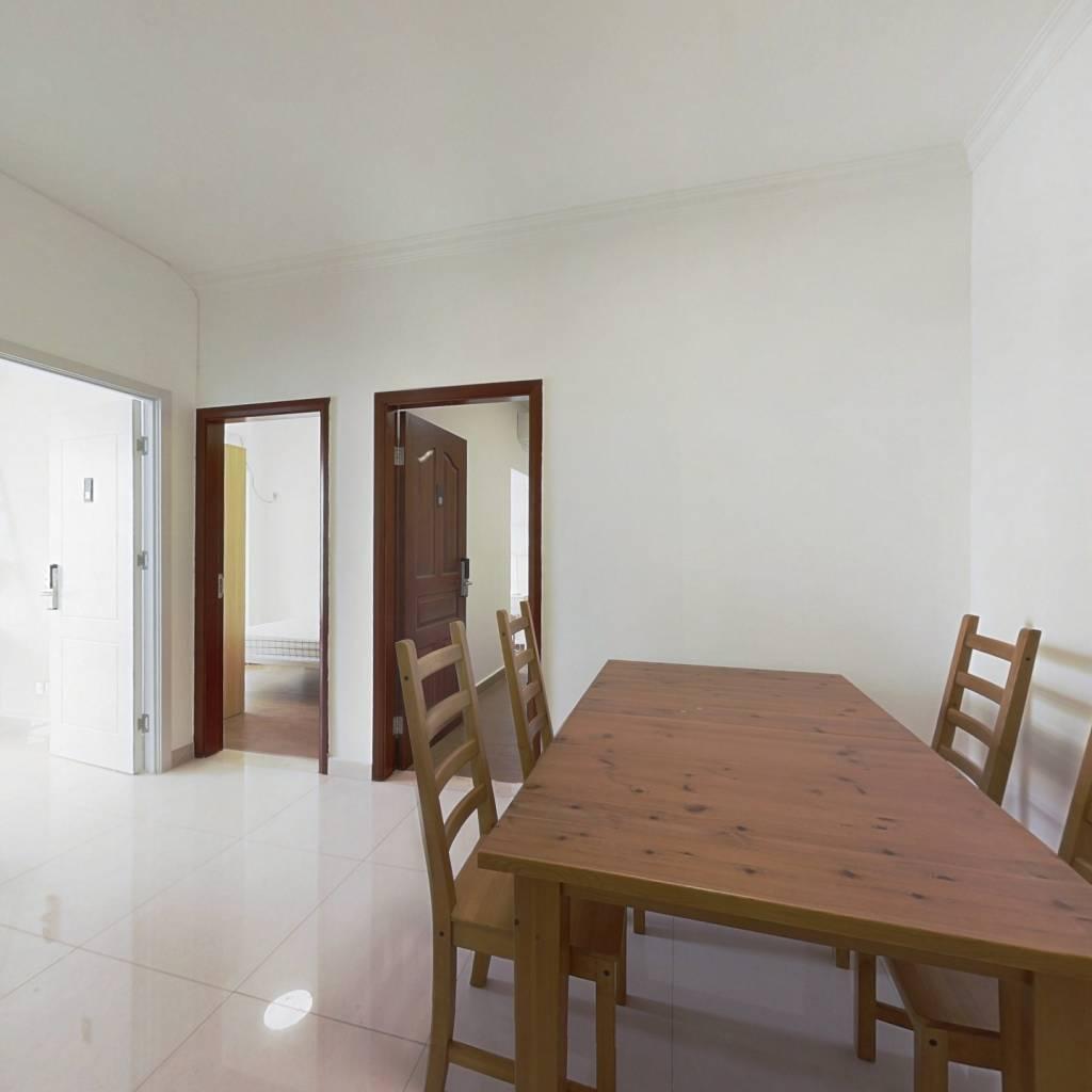 合租·阳光花地苑 3室1厅 北卧室图