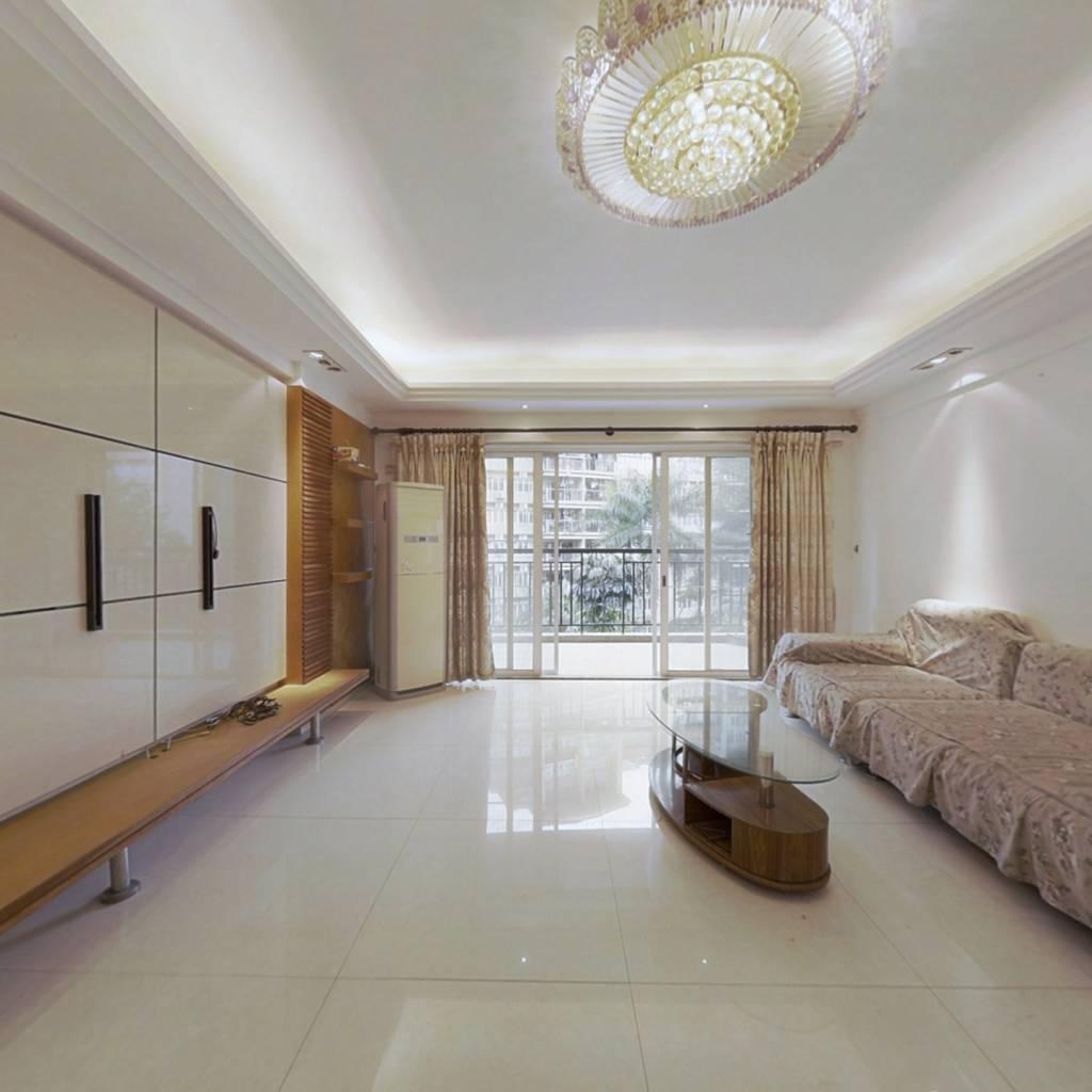 厅出阳台,高楼层,视野开阔,采光充足