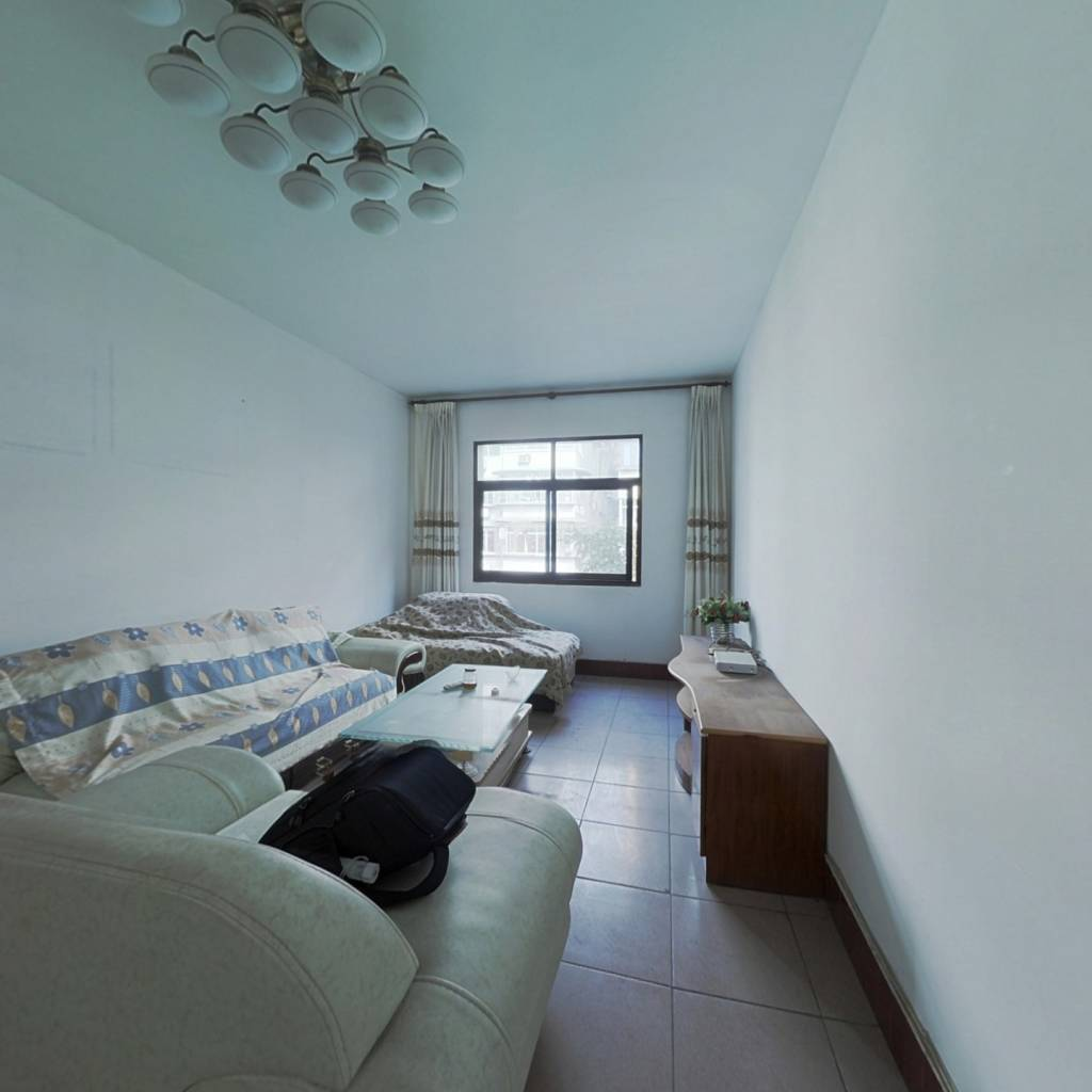 观景房  两室  经济实用房   户型方正 拎包入住