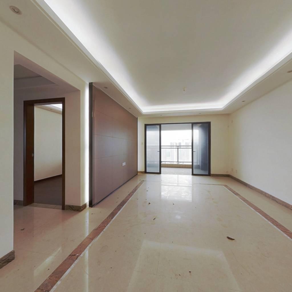 时代山湖海精装4房,中高楼层,视野开阔,格局方正