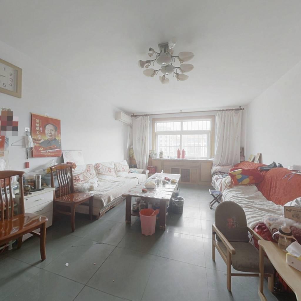 滨海新村套三好房急售,位置好,视野好,价格好。