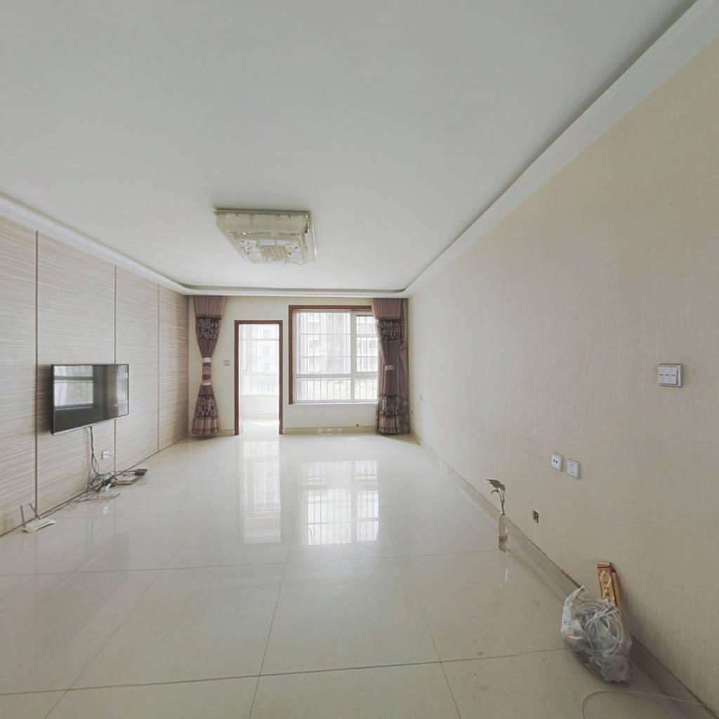 鲁银城市公元精装修三室两厅一卫总高9层的洋房