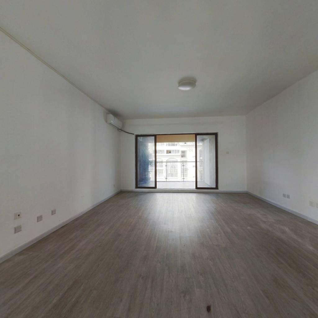 14号地铁口南北通大4房  单价低 诚心出售 看房方便