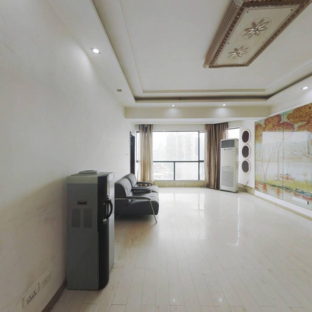 博泰华庭 3室2厅 东南