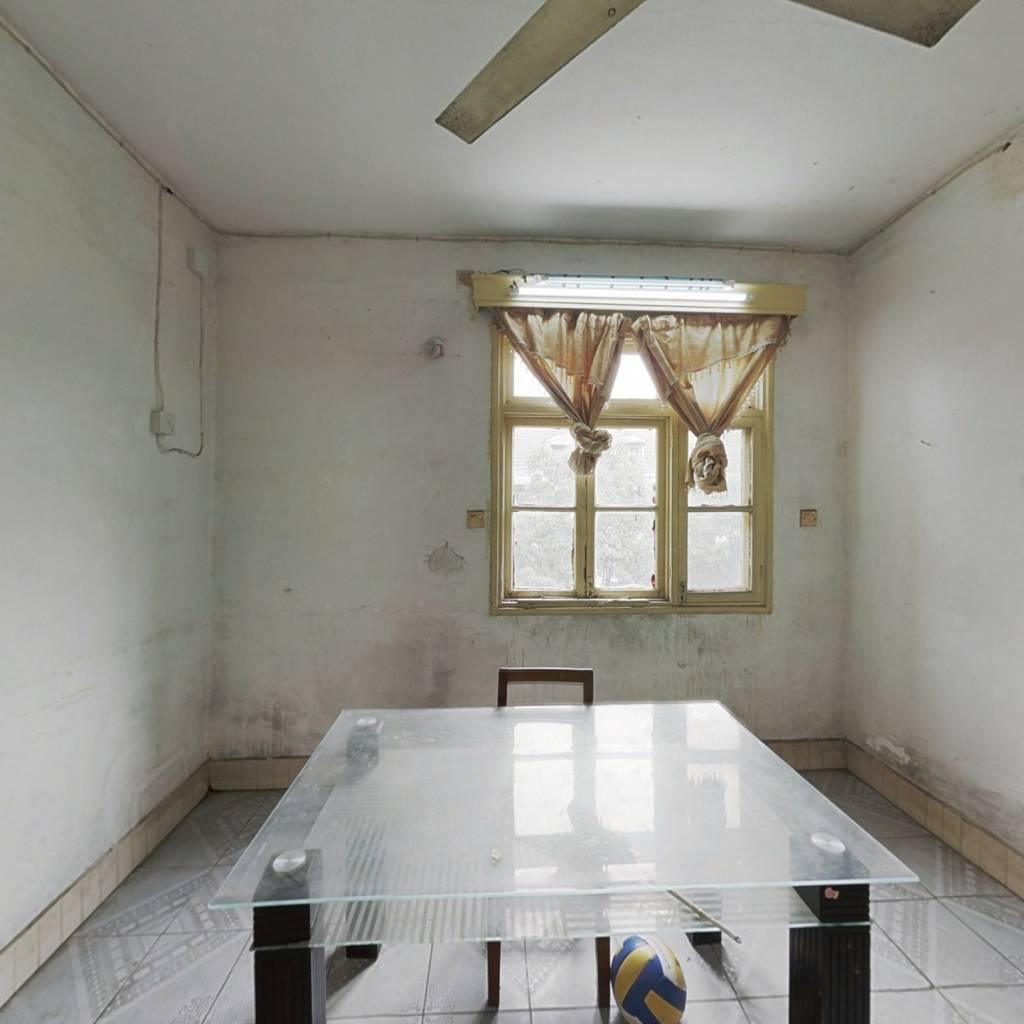 湖南六建联兴施工宿舍  两室一厅出售