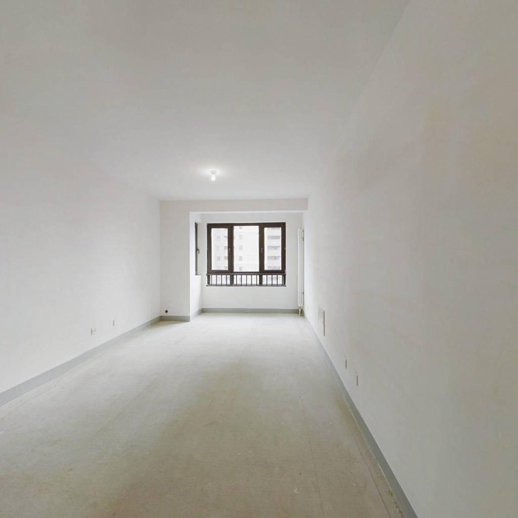 次新房 标准三室     即买即住