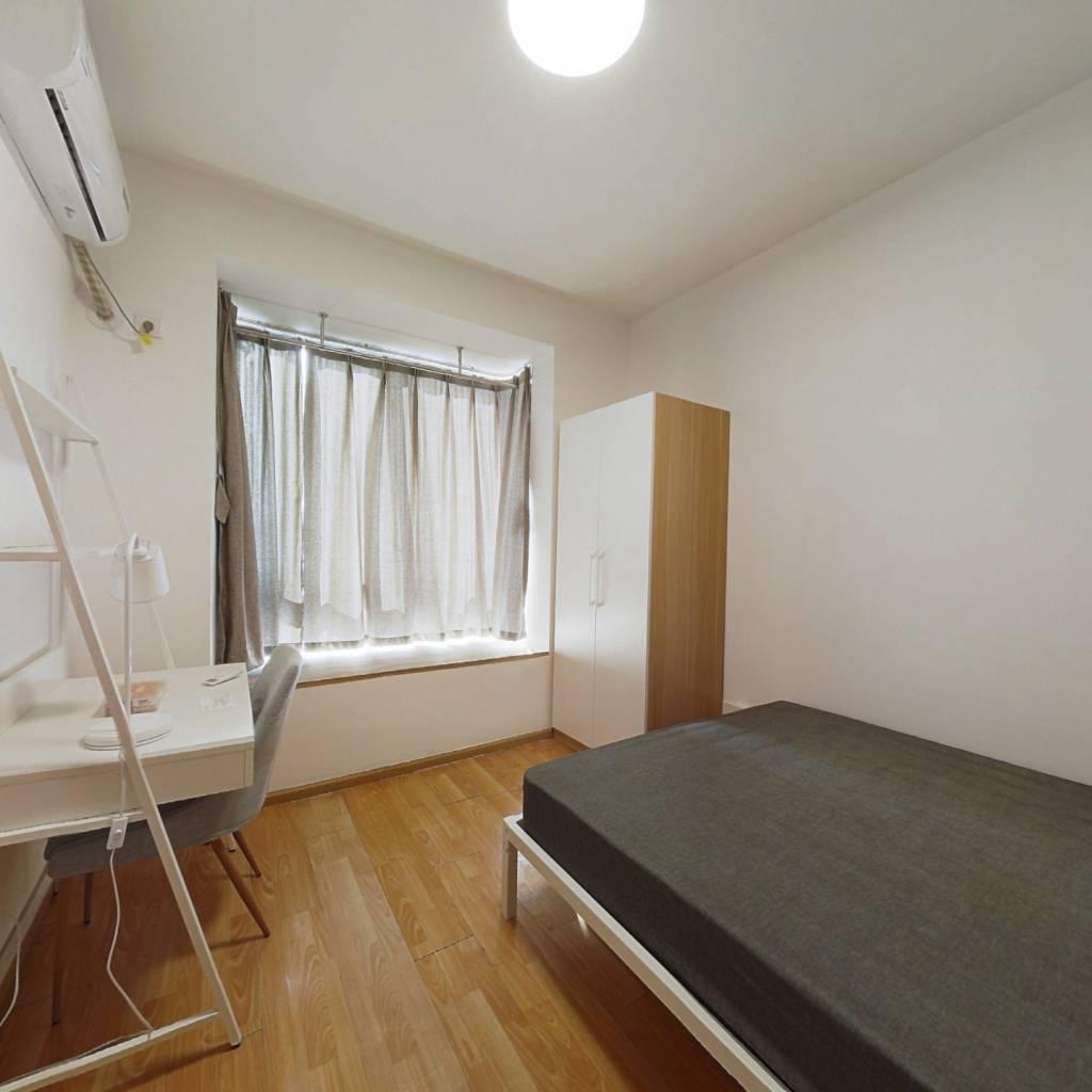 合租·新里维多利亚公寓 3室1厅 西卧室图