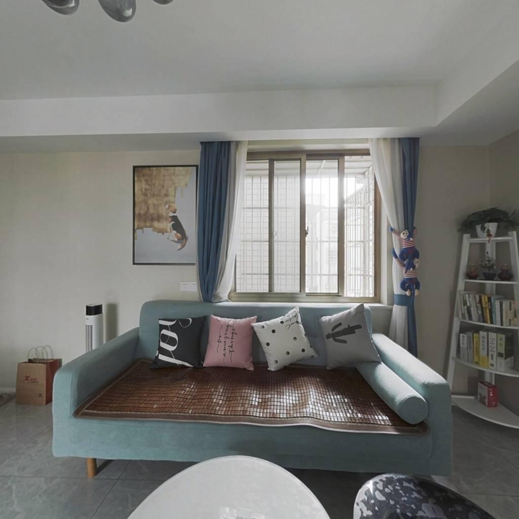 桂冠公寓一期83平三房全新装修拎包入住