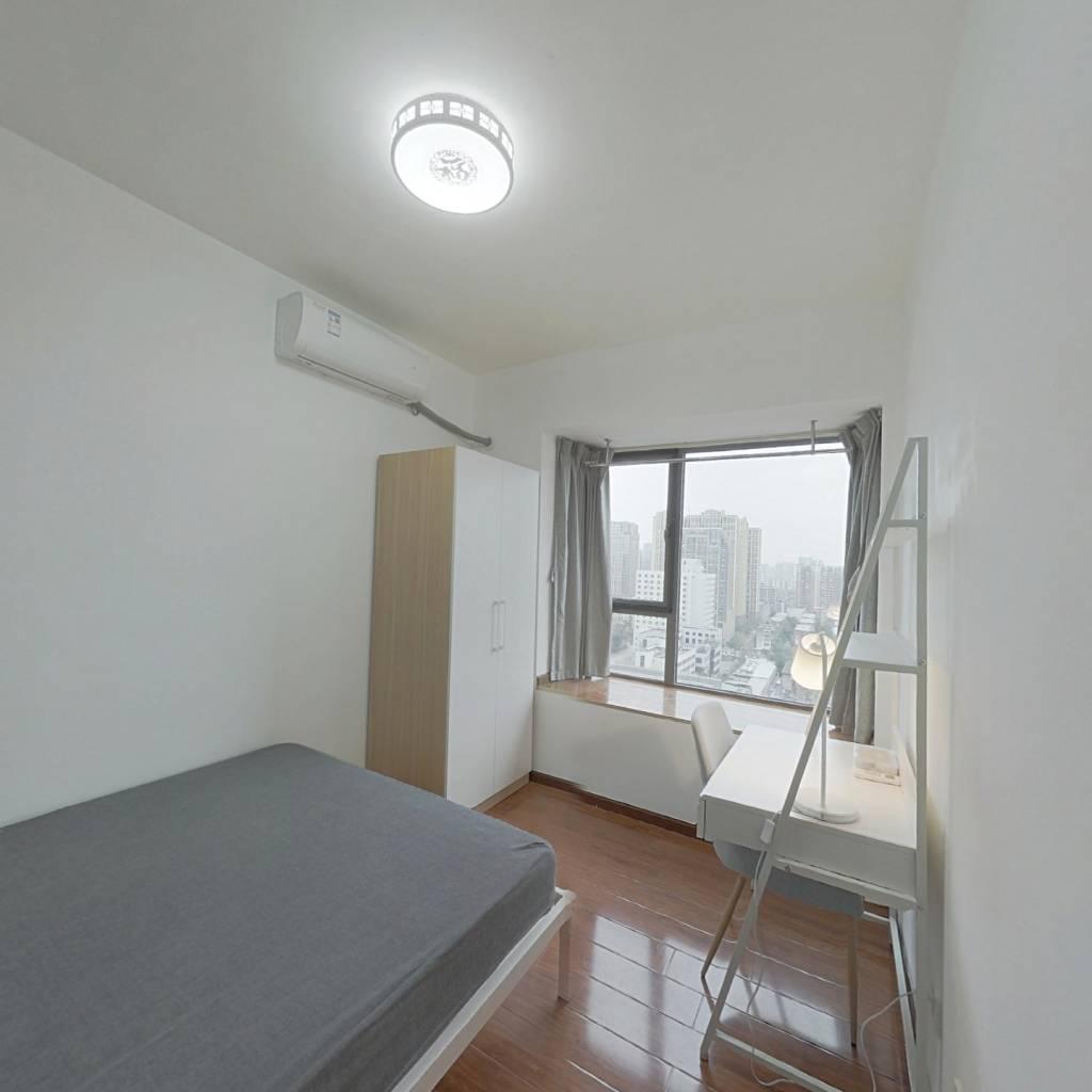 合租·飞大壹号广场 4室1厅 西南卧室图