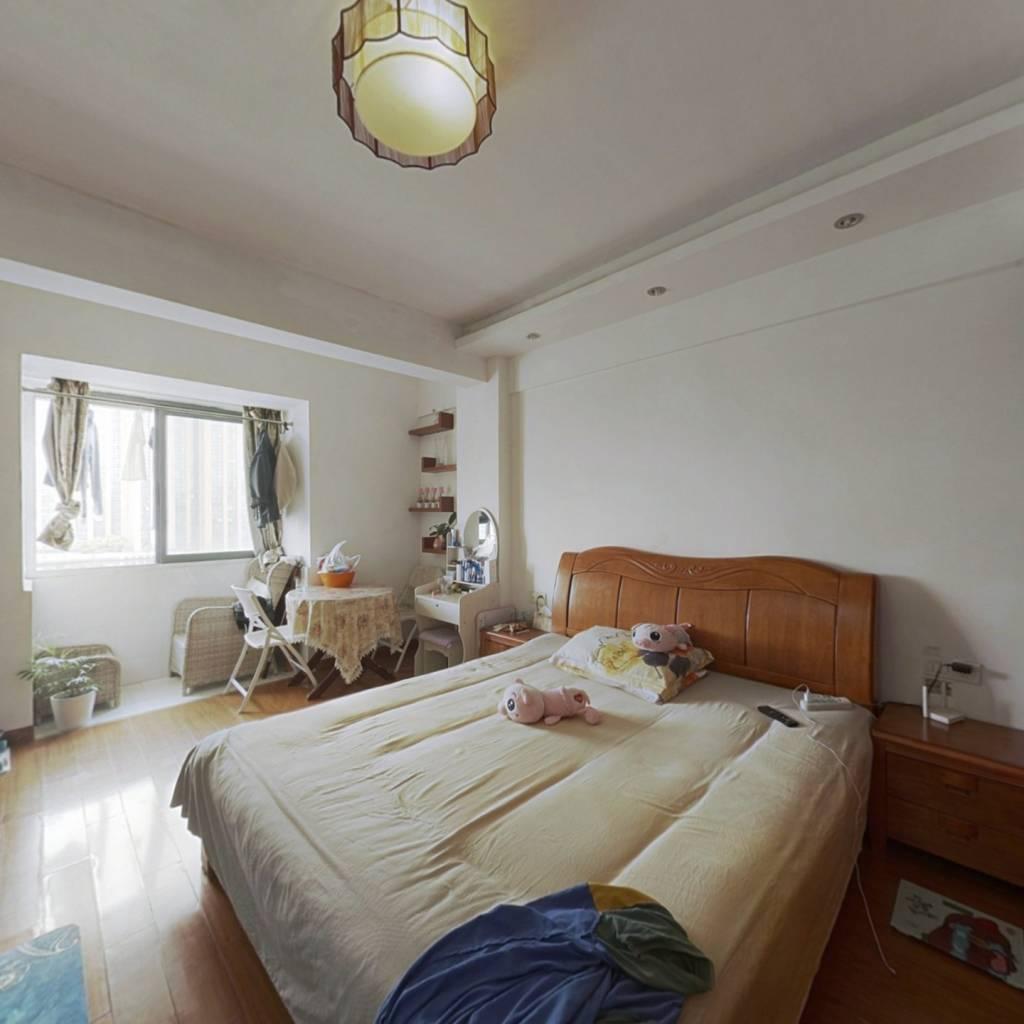 富丽湾景园单身公寓,有租客直接收租,40年产权