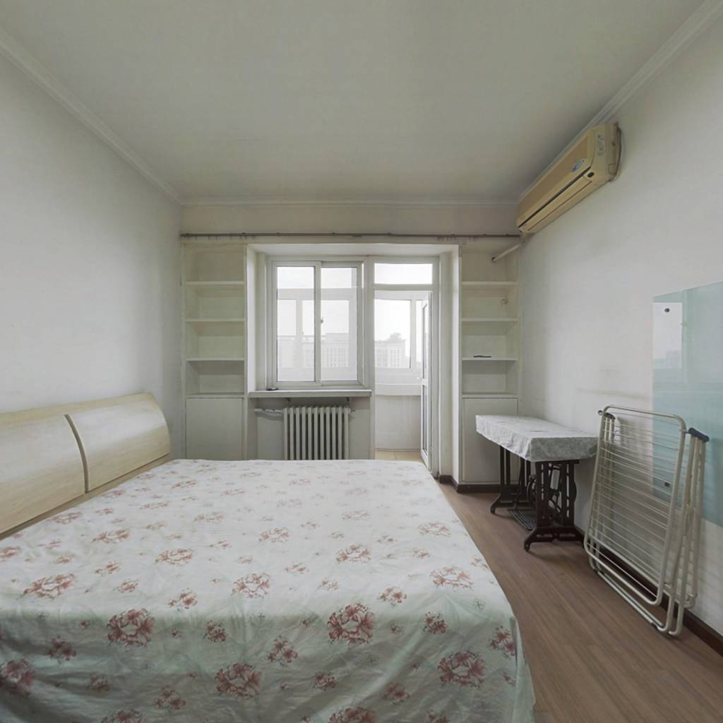 六建 南北三居室 满五年 高楼层 诚意出售