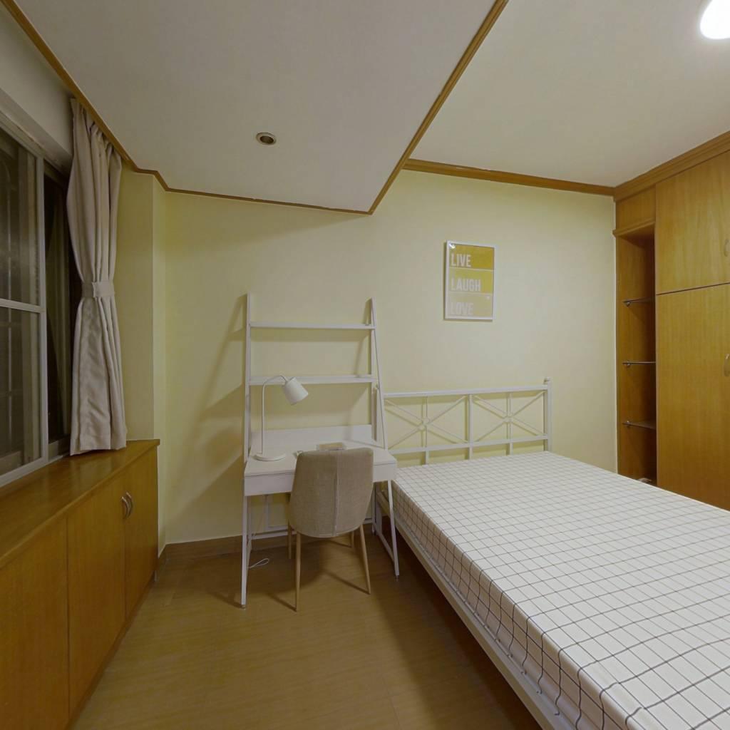 合租·天河路 6室1厅 东卧室图