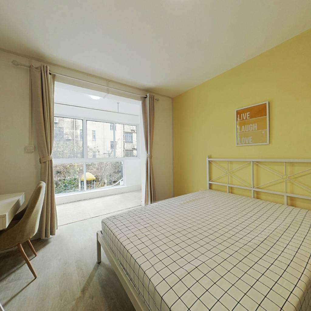 合租·佳安公寓 4室1厅 东卧室图