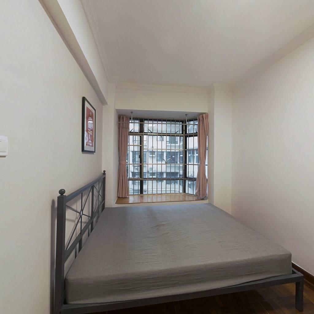合租·丽江花园丽彦楼 4室1厅 西南卧室图