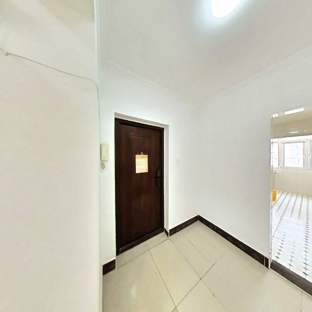 合租·梅园甲 3室1厅 东卧室图