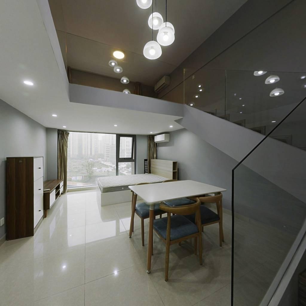 户型通透,采光无遮挡 4.2米层高现房可以随时入住