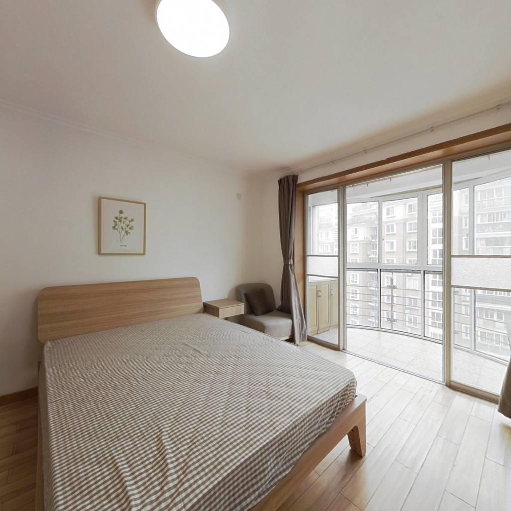合租·绿洲花园 4室1厅 南卧室图
