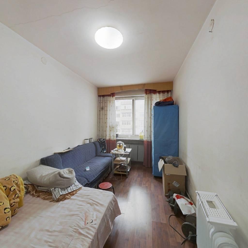 南北标户,两居室,价格美丽,配套齐全,交通便利