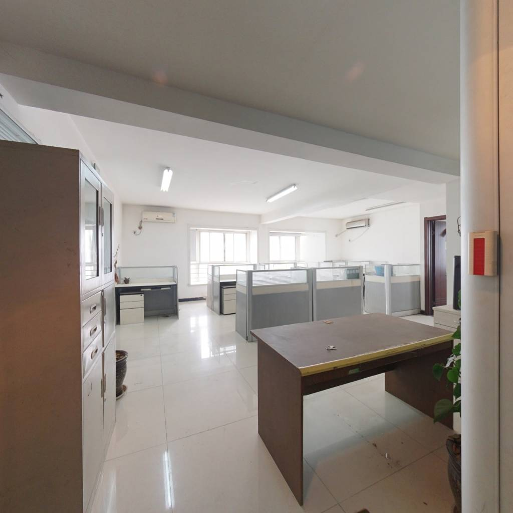 高新枫尚大三室急售,看房方便地段繁华