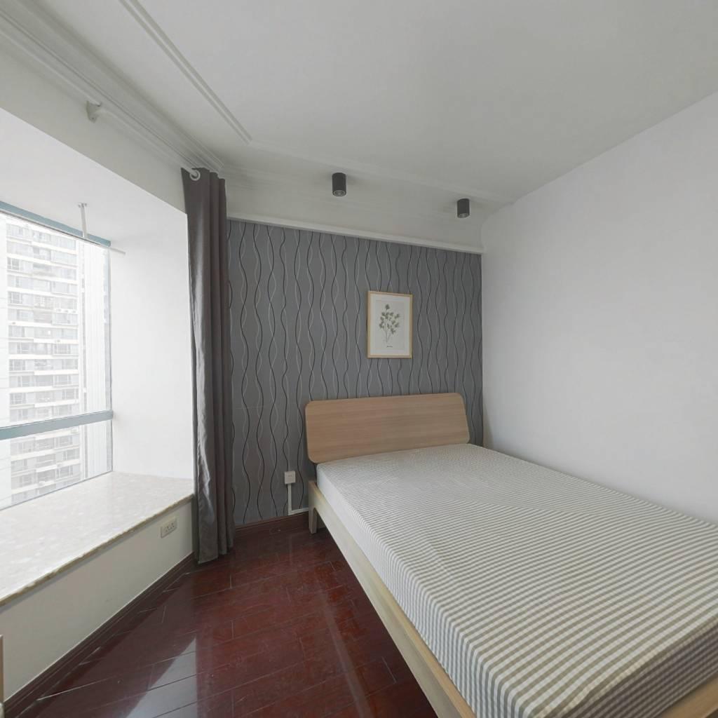 合租·顶琇晶城 4室1厅 东卧室图