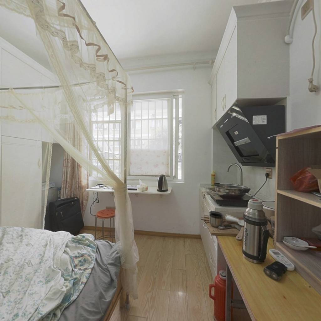 置信公寓 1室1厅 南