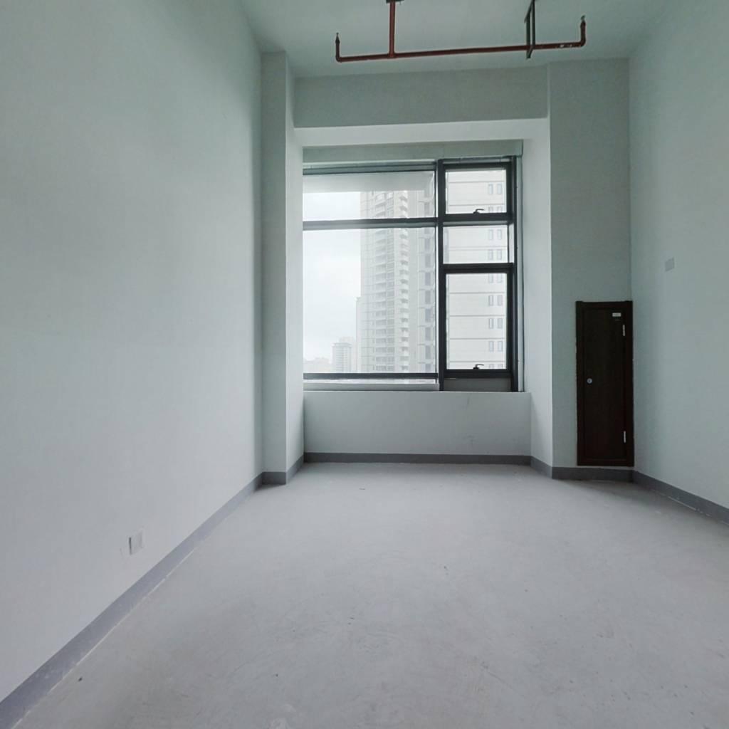 龙湖40年公寓 位置佳 环境好