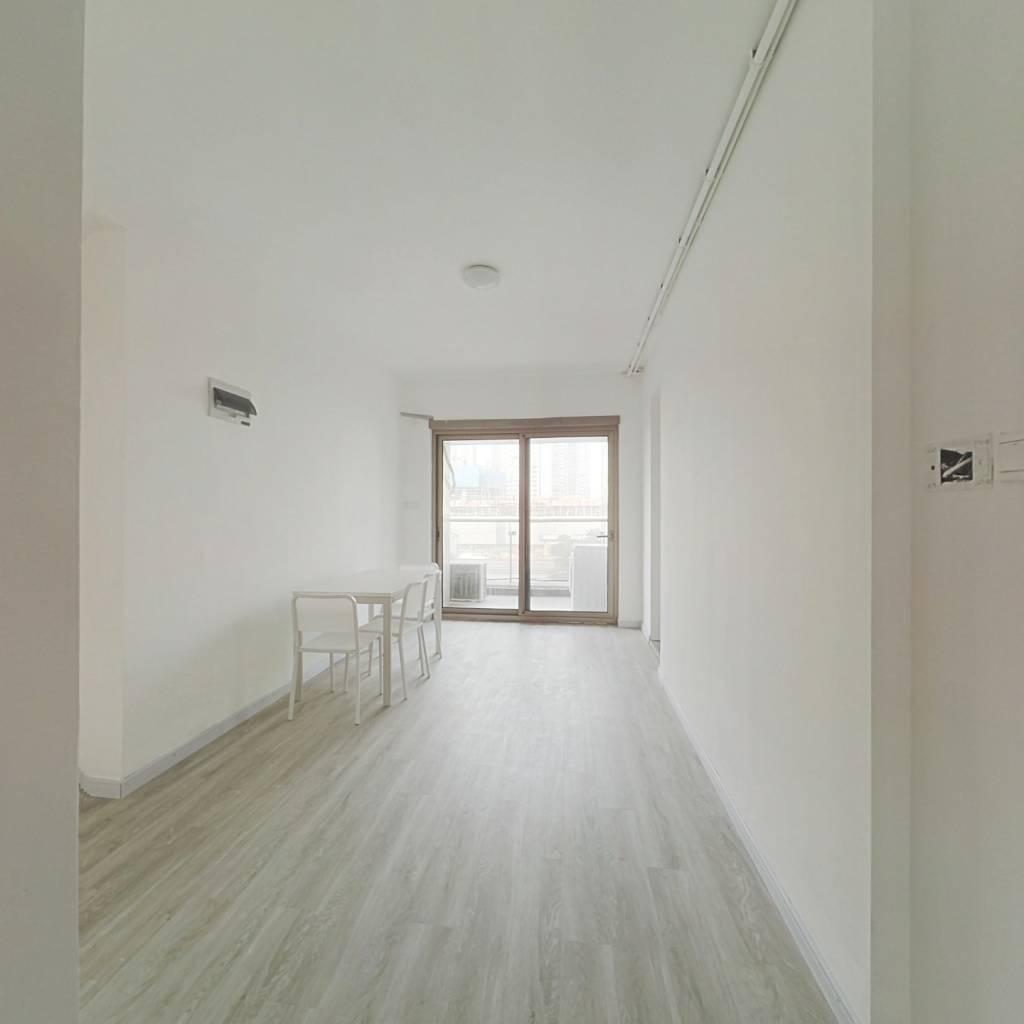 合租·尚海郦景 4室1厅 南卧室图