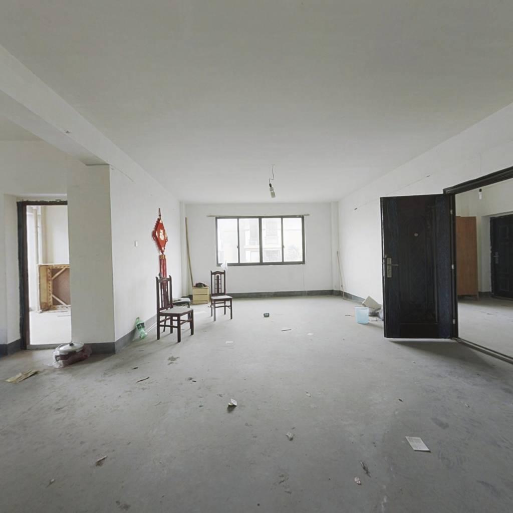尚南华庭 4室2厅 南