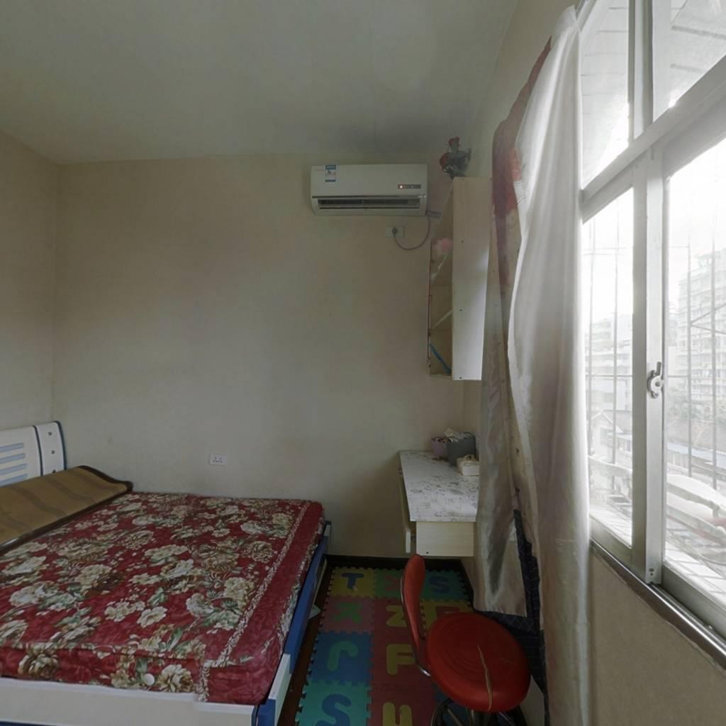 解放路社区 1室1厅 东南