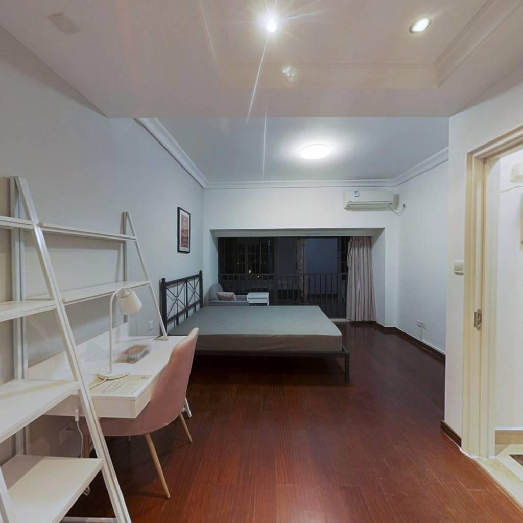 合租·信义御城豪园 5室1厅 东北卧室图