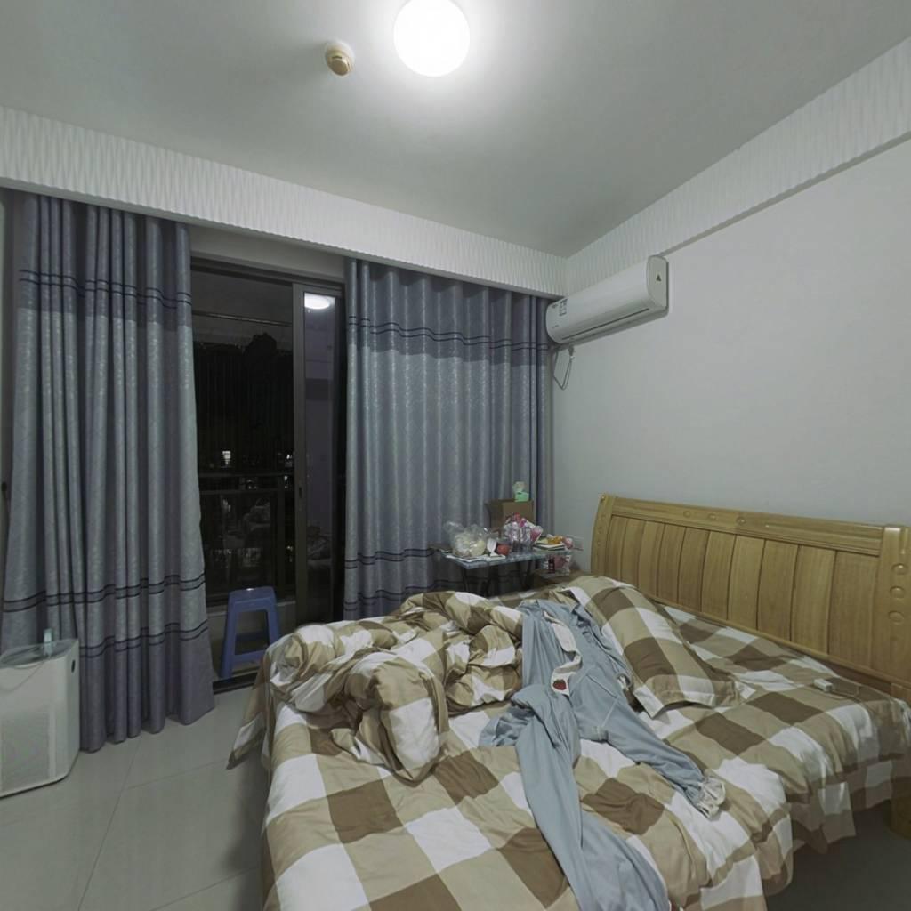 世茂单身公寓  小户型  适合1~2人居住  总价低