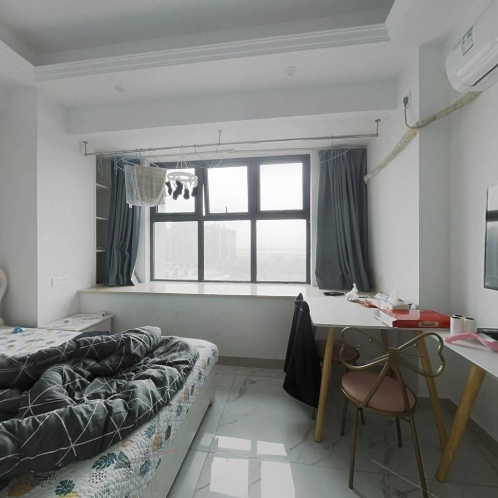 精装公寓,拎包入住,适合小夫妻自住,老人改善房