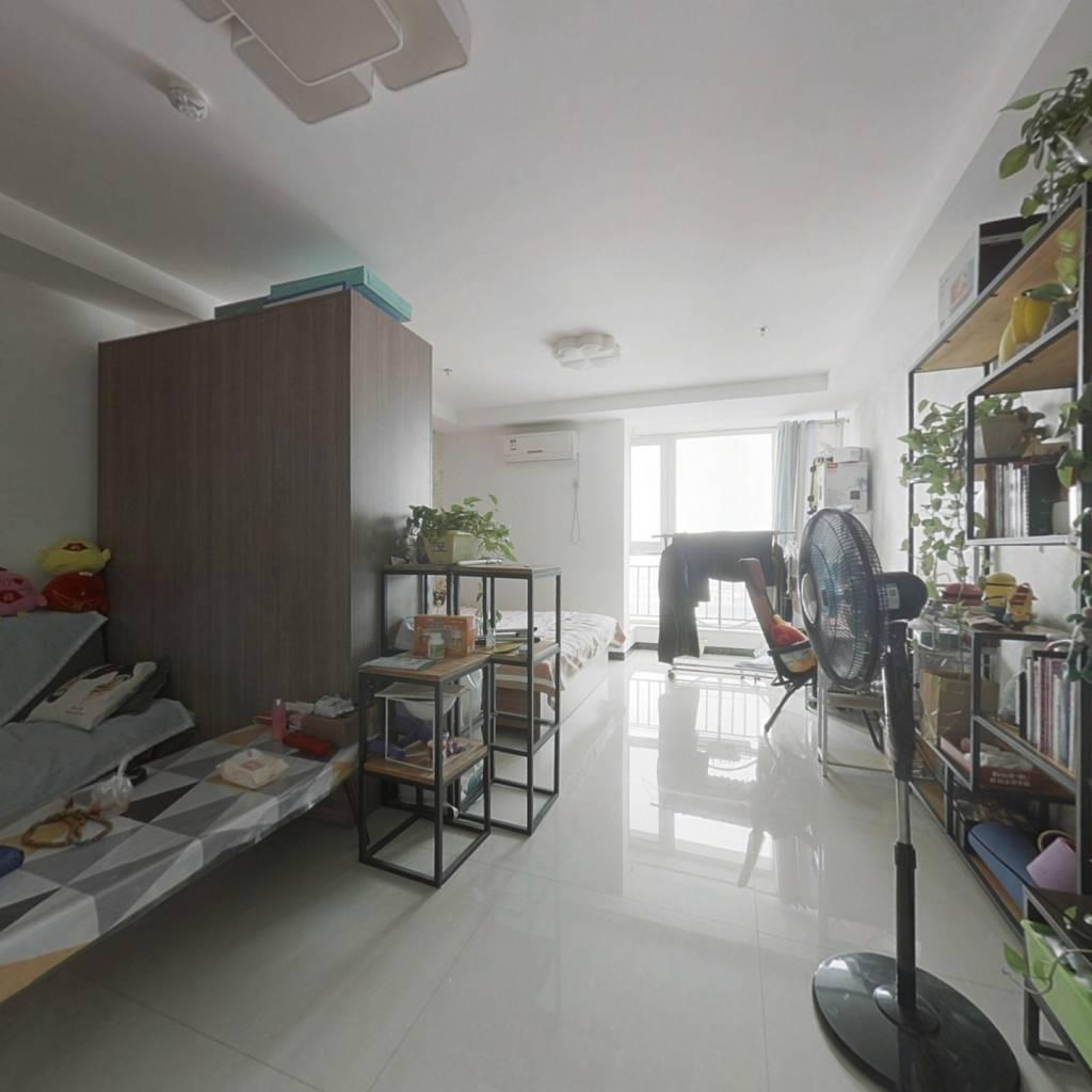 东城国际商务广场 平层一居室 可自住,可办公