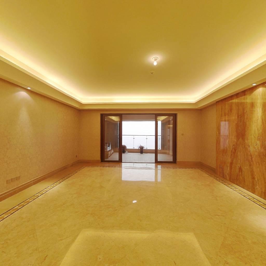 华远华近五一广场九龙仓地铁1.2号线交汇一线湘江风景
