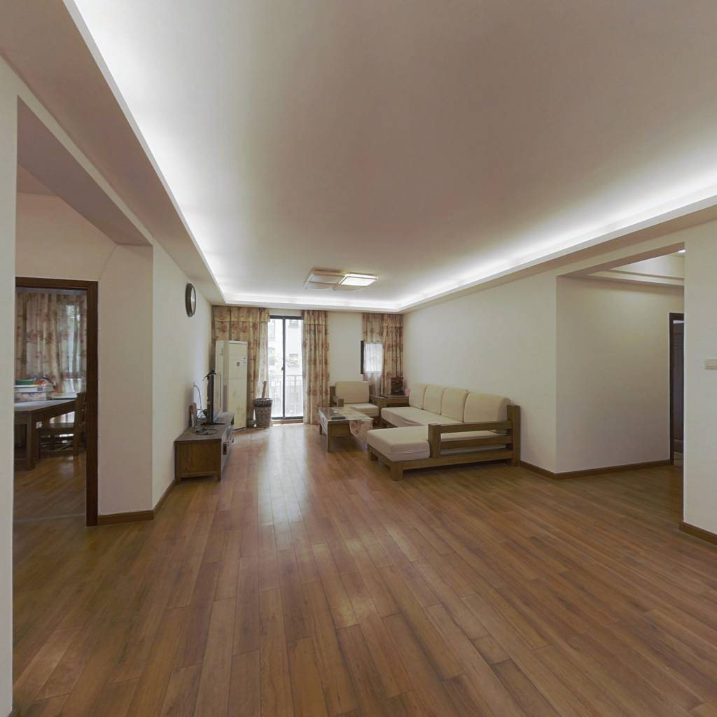 万科西街花园 电梯四房 环境优雅  小区配套成熟