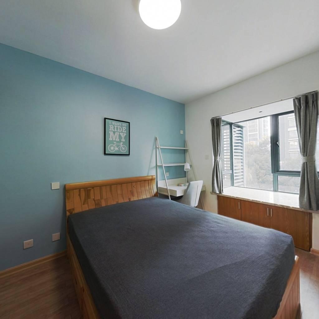 合租·亚东国际公寓 4室1厅 北卧室图